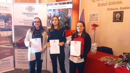 Podwójny sukces naszych uczennic w XVIII edycja Ogólnopolskiej Olimpiady Promo